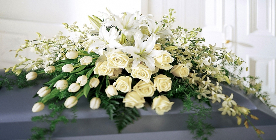 Nicola Florist Buy And Send Flowers Bouquets And Arrangements Online For Reliable Delivery In Basingstoke And Surrounding Areas